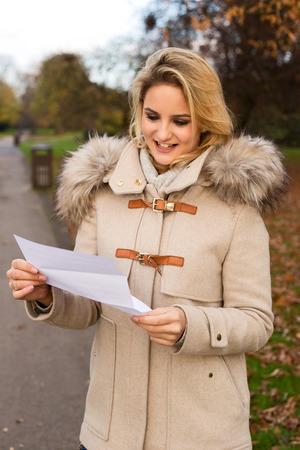 penfriend: young woman reading a letter