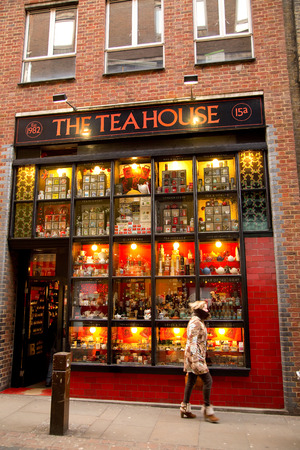 english breakfast tea: LONDON - JANUARY 22nd: The exterior of the teahouse on January the 22nd, 2015, in London, England, UK. The teahouse sells over 1000kg of English Breakfast tea a year