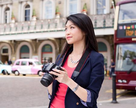 런던에서 젊은 중국 관광