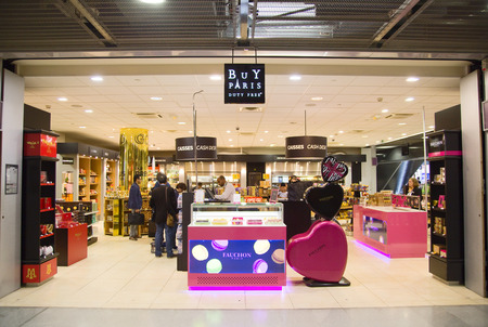 gaulle: PARIS - SEPTEMBER 5TH: Buy Paris at Charle de gaulle airport on September the 5th, 2015 in Paris, France. Charle de gaulle is one of the busiest airports in the world