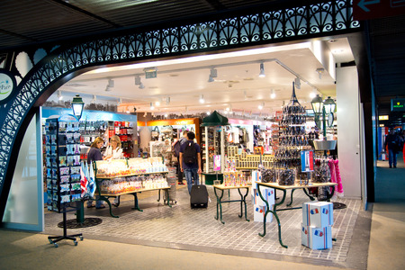gaulle: PARIS - SEPTEMBER 5TH: Duty free at Charle de gaulle airport on September the 5th, 2015 in Paris, France. Charle de gaulle is one of the busiest airports in the world