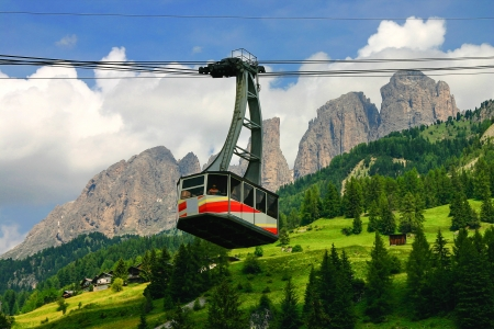 fassa: Cableway in the Dolomites