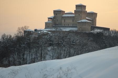 collina: Torrechiara castle under the snow