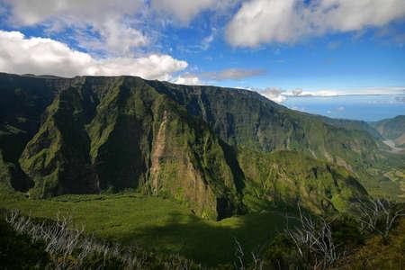 Volcanic scogliera montagna in Isola della Riunione