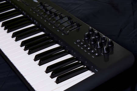 octave: midi keyboard from close angle