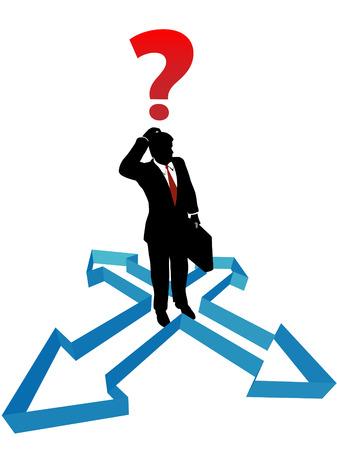 indeciso: Un hombre de negocios enfrenta a la indecisi�n dentro de un conjunto de las flechas de direcci�n.