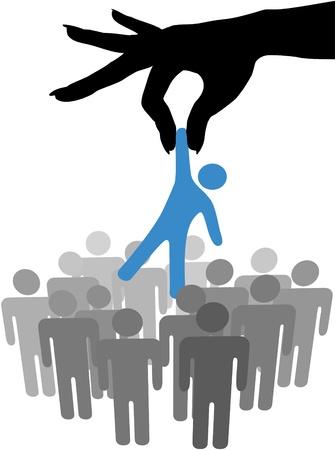 Mano femenina para llegar a buscar y elegir a una persona de un grupo de personas de símbolo