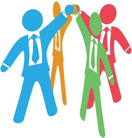 alianza: La gente de negocios se unen unirse a las manos levantadas para colaborar o celebrar