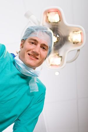 médico masculino en sala de operaciones Foto de archivo - 4411491