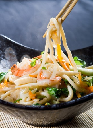 chinese noodle: chinese style seafood noodle