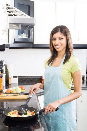 Ehefrauen: Frau Kochen in der K�che