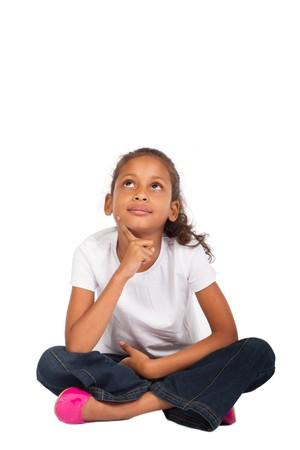 bambini pensierosi: riflessivo ragazza studiano indiana