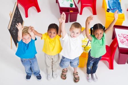overhead van gelukkig preschool kinderen