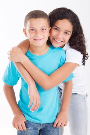 liefdevolle jonge broer en zus
