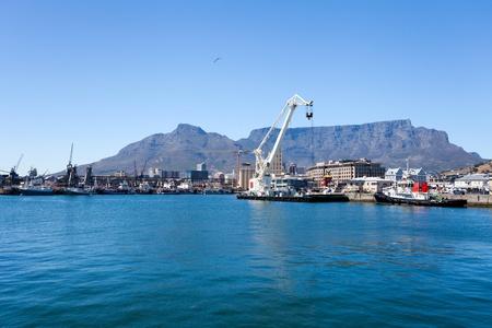 Waterfront von Kapstadt und den Hafen Standard-Bild