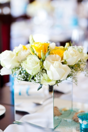 wedding table centerpiece flowers photo
