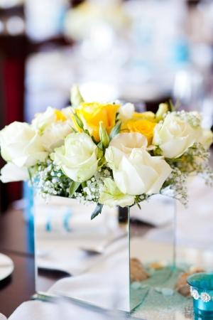 wedding table centerpiece flowers photo