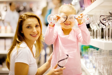 homeware: mother and daughter shopping homeware
