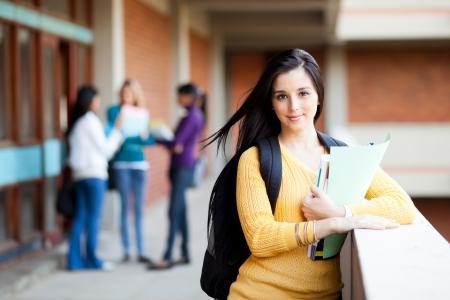 estudantes: muito feminino universidade retrato estudante