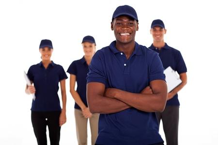 アフリカ系アメリカ人のテクニカル サービス ワーカーとチーム