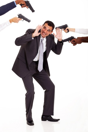 atacaba: colega m�s odiado de ser atacado por otros a punta de pistola Foto de archivo