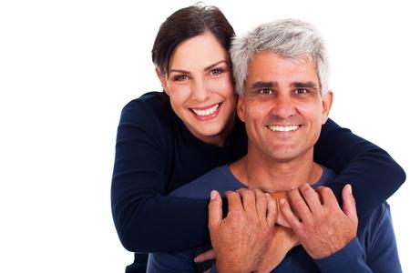 pareja madura feliz: feliz pareja madura en el fondo blanco