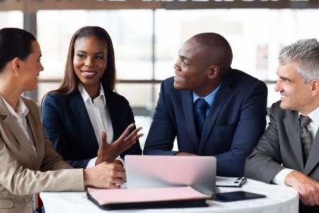 profesionálové: Moderní obchodní partneři mají schůzku
