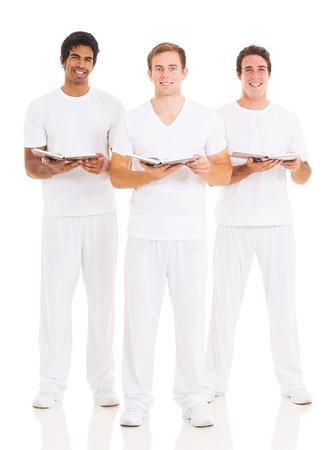 hymnal: gruppo di giovani della chiesa coristi isolato su bianco