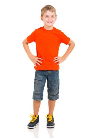 volledige lengte portret van leuke jongen op een witte achtergrond Stockfoto