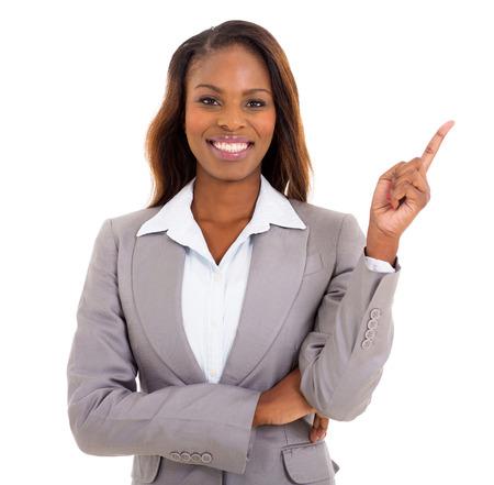 D'affaires africain gai pointant espace vide sur fond blanc Banque d'images - 30685248