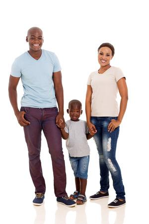 mooie jonge Afro-Amerikaanse familie die op een witte achtergrond Stockfoto