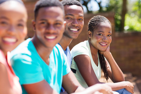 estudiantes adultos: hermosas estudiantes Univeristy afro americano j�venes