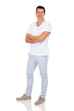 uomo felice: felice giovane uomo in piedi su sfondo bianco