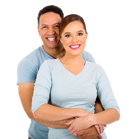 glückliche Paar auf weißem Hintergrund isoliert Standard-Bild