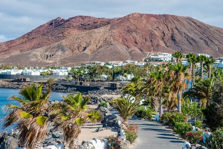 playa blanca: Montana Roja behind Playa Blanca, Lanzarote