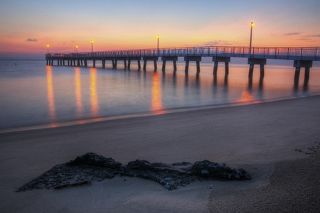 Sunrise at Woodland Beach Fishing Pier, Delaware. Stok Fotoğraf