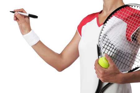 rigor: photography of a female tennis player writing something