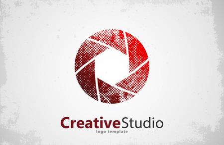 Creative studio logo design. Camera logo. Creative logo. Shutter logo Vectores