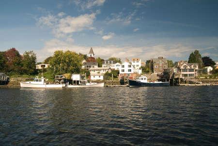 docked: Langosta embarcaciones atracaron en el puerto de Portsmouth de New Hampshire. Un t�pico de Nueva Inglaterra peque�o pueblo de pescadores.