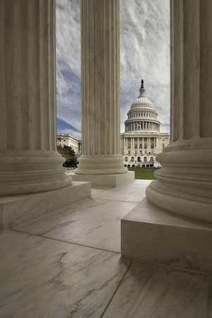 대법원 열 액자 워싱턴 DC에서 미국 된 미국 미 국회 의사당 건물. 스톡 콘텐츠