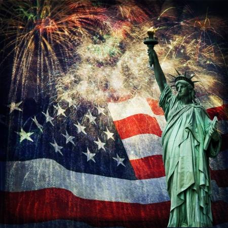フラグと花火独立記念日、記念日、復員軍人の日、大統領の日の素敵な高齢者の効果の素敵な愛国心が強いイメージのグランジ オーバーレイを与え