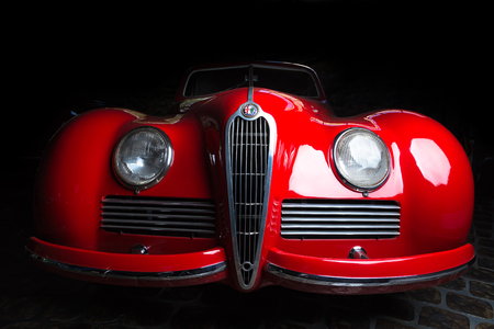 Alfa Romeo 6C 2300B dark background Adler Trumpf Junior brown luxury retro car Cabrio Limousine dark background