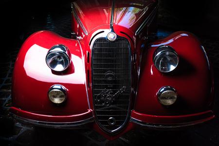 Alfa Romeo 8Ð¡ 2900 Ð' Adler Trumpf Junior brown luxury retro car Cabrio Limousine dark background