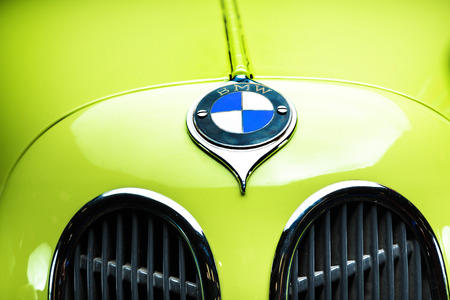 BMW DIXI DA3 Wartburg Adler Trumpf Junior brown luxury retro car Cabrio Limousine dark background Editöryel