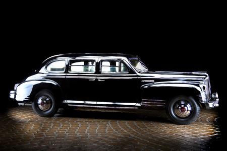 ЗИС 115 Retro Soviet Car Dark background Adler Trumpf Junior brown luxury retro car Cabrio Limousine dark background Editöryel