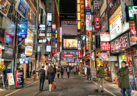 Tokyo - 26 March 2019 - View of Busy Red Light District Night Life at Kabukicho in Shinjuku, Tokyo, Japan 報道画像
