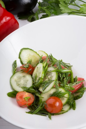 Prepared cucumber and tomato salad 版權商用圖片