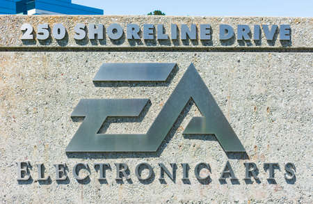 Electronic Arts sign at video game company headquarters in Silicon Valley, high-tech hub of San Francisco Bay Area - Redwood City, California, USA - 2019 新聞圖片