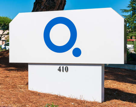 Q Bio logo at biotechnology company headquarters in Silicon Valley, high-tech hub of San Francisco Bay Area - Redwood City, CA, USA - 2019 新聞圖片