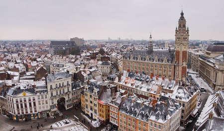 Vue panoramique du centre-ville de Lille en hiver, France Banque d'images - 8386362